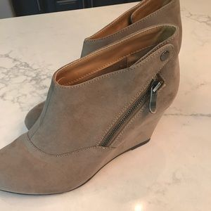 CL Laundry ankle boots